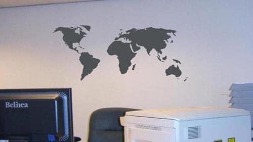 wereldkaart sticker binnenbelettering almere